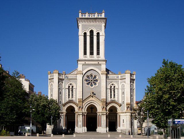640px_Saint_etienne_cathedrale.jpg